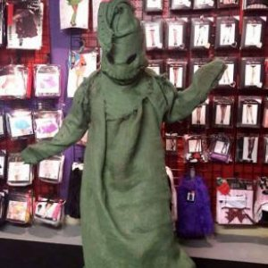 I made this Oogie Boogie costume im wearing