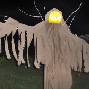 Ahh yes, the scarecrow. A halloween staple!