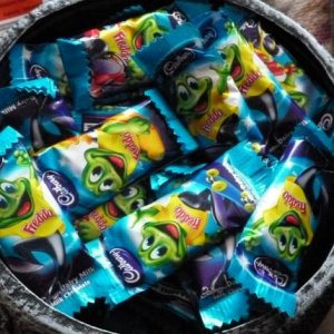 The Freddo cauldron! 160 Chocolate Frogs!