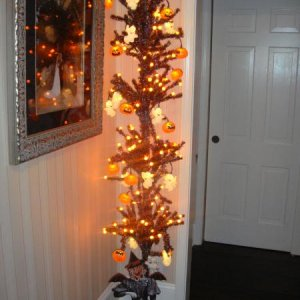 My HALLOWEEN TREE~~LOVE IT!
