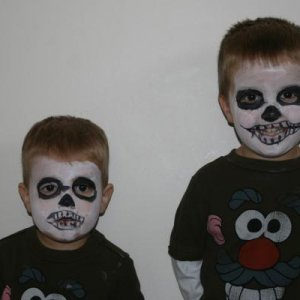 some quick facepainting jobs on my boys before halloween