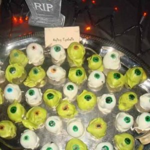 Spooky Dinner Eyeballs (Dipped Cake Balls)