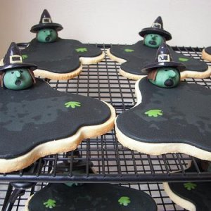 Melting Witch Cookies - Made w/Royal & Poured Icings