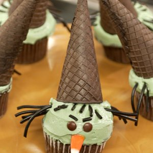 Wicked%20Witch%20Cupcake