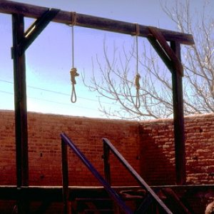 this gallows would allow me to use multiple victims or even just one with a open noose waiting for a ToT